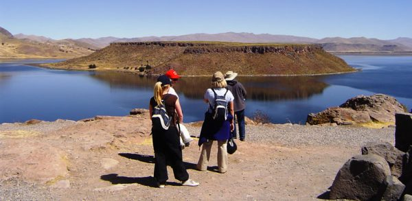Tour airport – Sillustani – hotels in Puno or viceverse <span>(3½hrs.)</span>