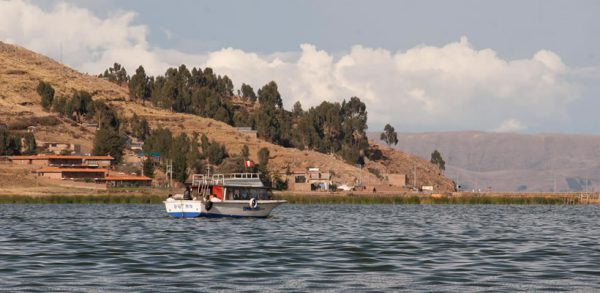 Tour to Uros, Taquile island and Luquina chico <span>(1D)</span>